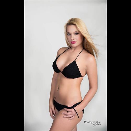 Mariah Alexis Vest in a bikini