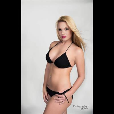 Mariah Alexis in a bikini