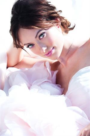 Olivia Wilde - Avon Phototshoot