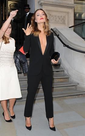Olivia Wilde Leaving her hotel in London - September 2, 2013