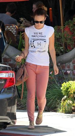 Olivia Wilde - at the Alcove Cafe in Los Feliz - August 15 2012
