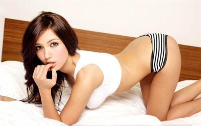 Misa Campo in lingerie