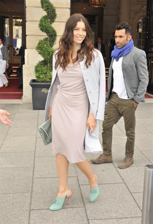 Jessica Biel leaving Ritz Hotel in Paris 04-10-2011