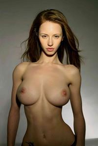 Katarina Olendzskaia - breasts