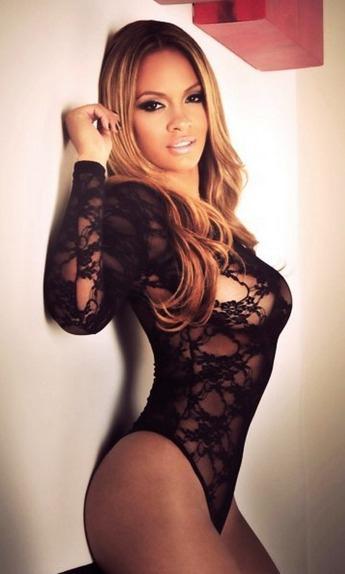 Evelyn Lozada in lingerie