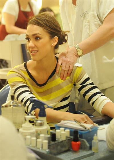 Jessica Alba at a beauty salon in New York February 14, 2012