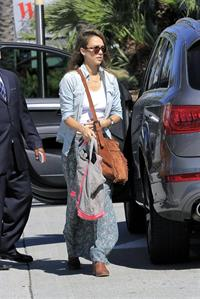 Jessica Alba shopping in LA 9/29/13