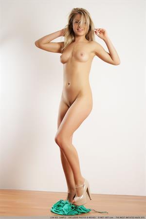 Katy N - breasts