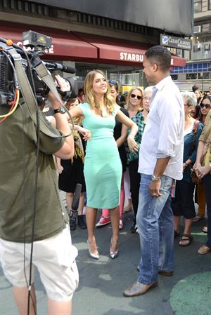 Jessica Alba -  On the set of Extra in New York September 12, 2012
