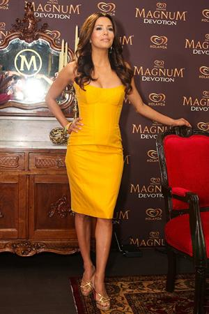 Eva Longoria press conference and photocall to promote Holandas Magnum Devotion Ice Cream in Mexico City