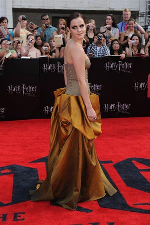 Emma Watson - Harry Potter and the Deathly Hallows Premiere in New York City, July 11, 2011