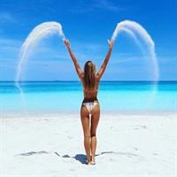 Jena Mays in a bikini - ass