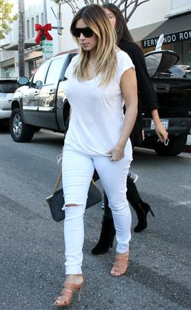 Kim Kardashian Out and about in Beverly Hills (November 14, 2013)