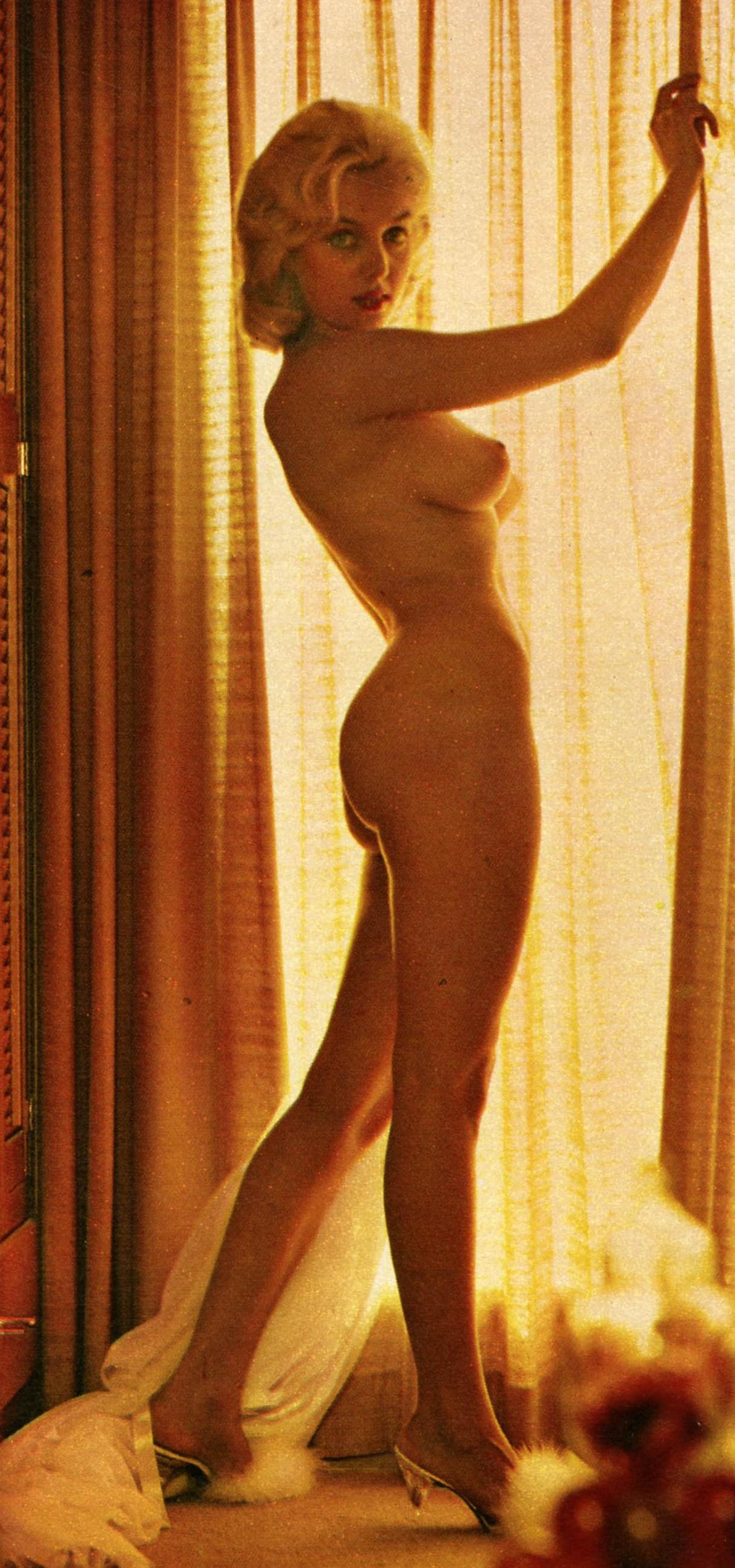 Linda Gamble  nackt
