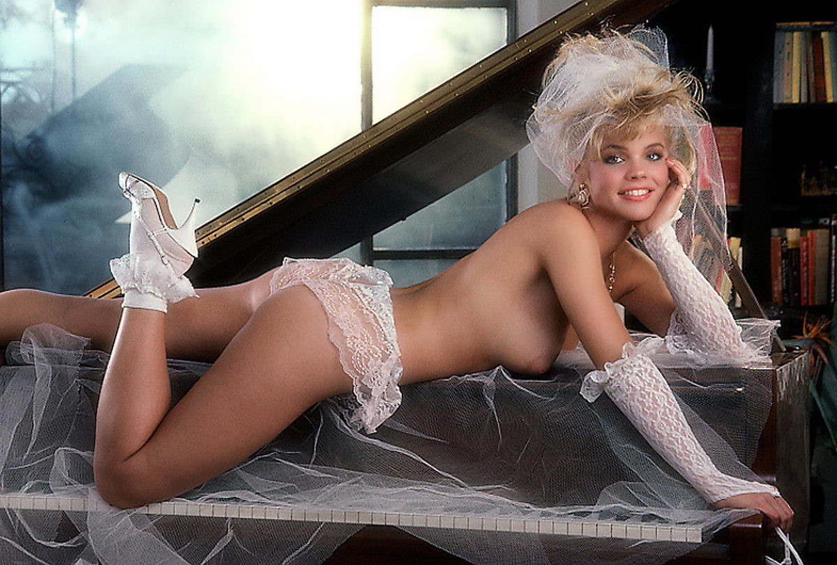 julie-mccullough-playboy-playmate-as