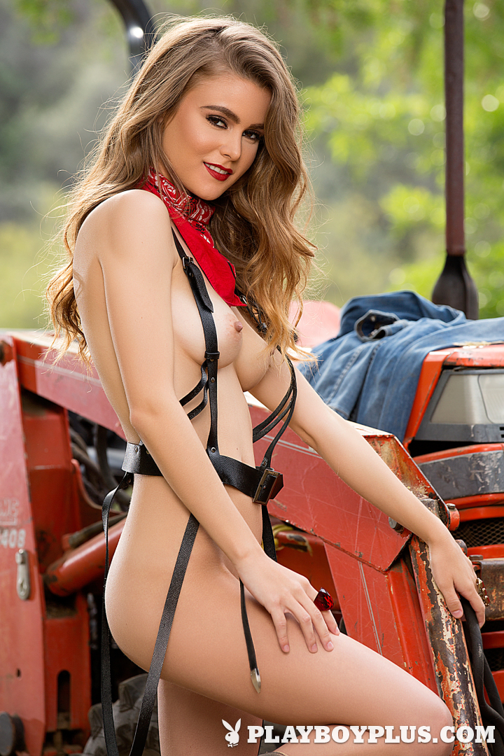 Playboy Cybergirl: Amberleigh West Nude Photos & Videos at Playboy Plus!