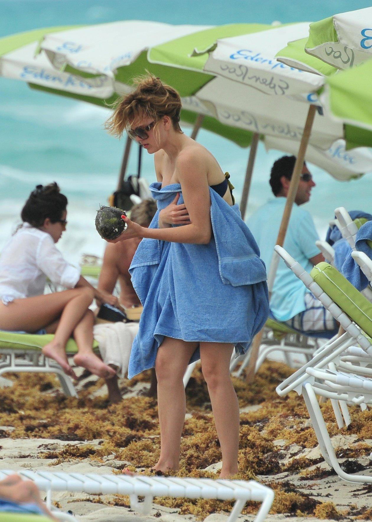 Aimee teegarden bikini photos — img 5