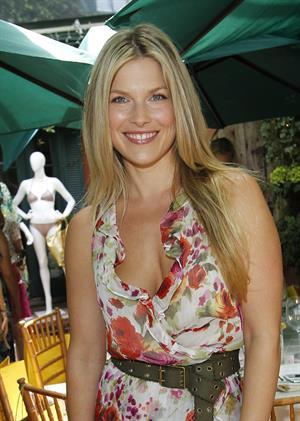 Ali Larter Jo de Mer lunch at il Cielo in Beverly Gills on June 30, 2011