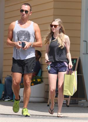 Amanda Seyfried Shopping In Los Angeles June 5, 2012