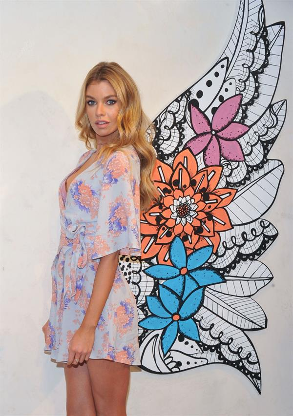 Stella Maxwell Dream Angel Collection