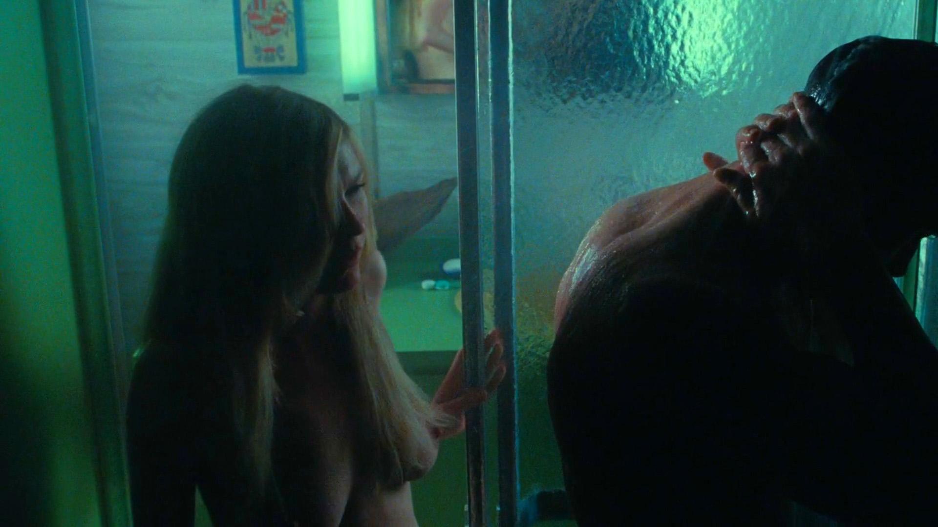 Kirsten Dunst - breasts