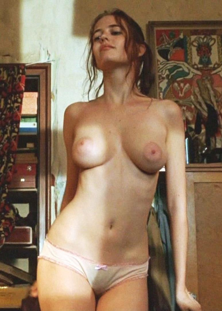 Eva Green - breasts