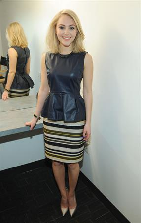 AnnaSophia Robb - Portraits At The Today Show In New York January 24, 2013