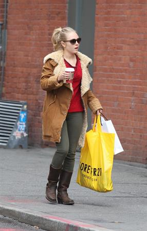 AnnaSophia Robb out shopping in New York City 12/21/12