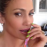 Jennifer Lopez taking a selfie