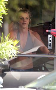 Britney Spears Leaving dance studio in Sherman Oaks, Los Angeles 23.10.2013