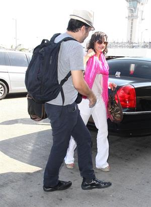 Carla Gugino - Catch a flight out of LAX - August 21, 2012