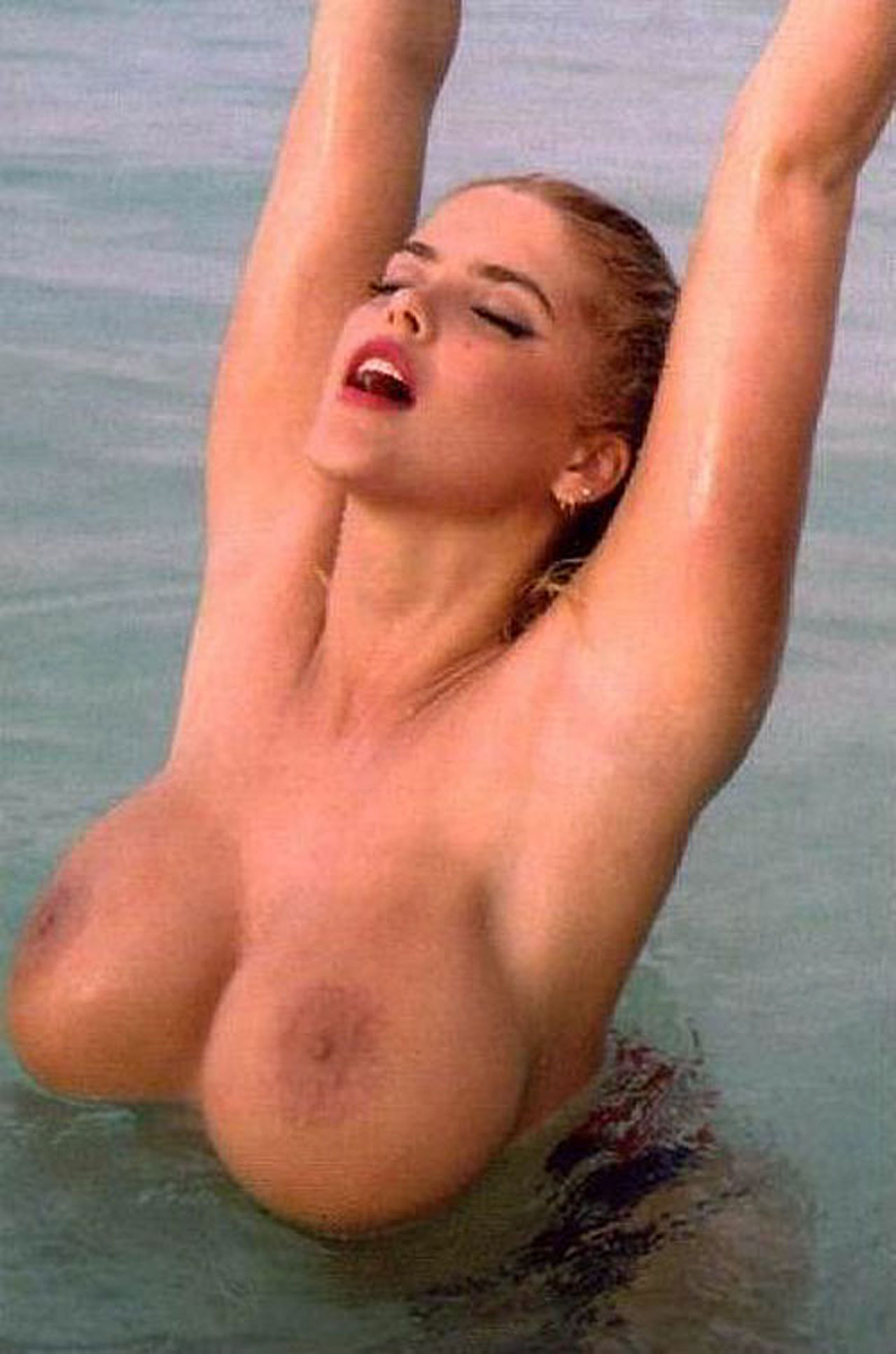 Sex nicole sexy smith having anna naked matchless