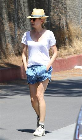Diane Kruger Taking a Sunday stroll in Hollywood 11.08.13