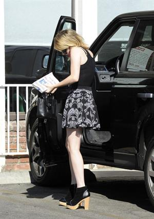 Emma Roberts - O&A in Los Angeles - August 28, 2012