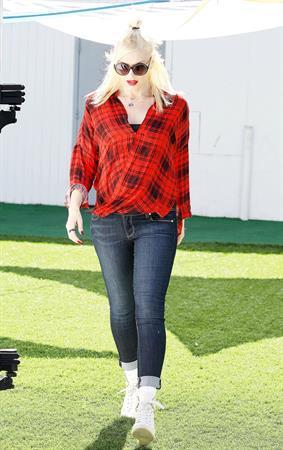 Gwen Stefani in Malibu 10/19/13