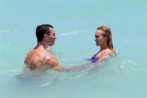Hayden Panettiere 53Bikini candis at Miami Beach 12.05.13