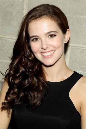 Zoey Deutch Beautiful Creatures panel Comic Con NY 10/13/12