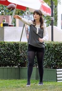 Zooey Deschanel  New Girl  set candids in LA 1/23/13