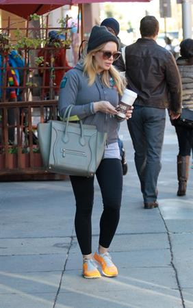 Hilary Duff Leaving a doctor's office in Beverly Hills - Jan 16 2013