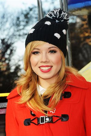 Jennette McCurdy 86th annual Macy's Thanksgiving Day Parade NY 11/22/12