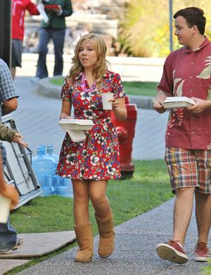 Jennette McCurdy lunch break on set of 'Swindle' in Vancouver 10/4/12