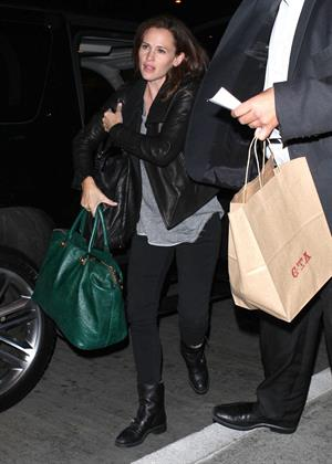 Jennifer Garner Departs LAAirport in L.A. (November 14, 2012)