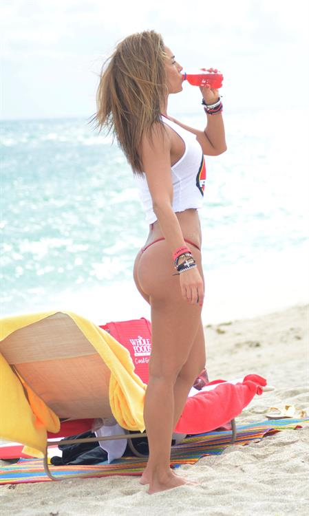 Jennifer Nicole Lee - bikini in South Beach, FL 12/19/12