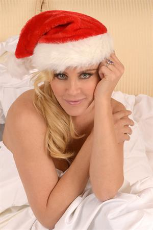 Jenny McCarthy In the Christmas Spirit Photshoot by Michael Simon 20.12.12