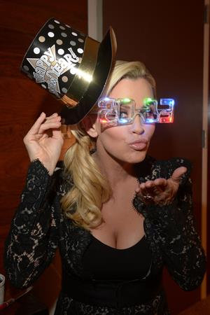 Jenny McCarthy announced as co-host of New Year's Rockin' Eve in NYC 12/5/12