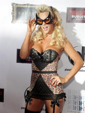 Jenny McCarthy - Planet Hollywood in Vegas