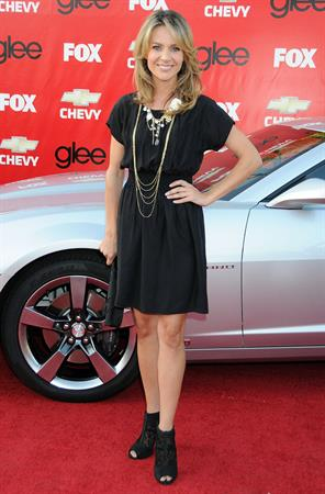 Jessalyn Gilsig at Premiere Of Fox's  Glee  (Sep 8, 2009)