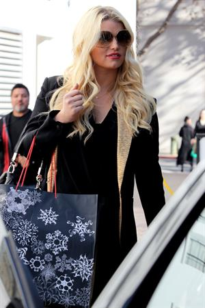 Jessica Simpson shopping at Saks Fifth Avenue in Beverly Hills, California - December 10, 2012