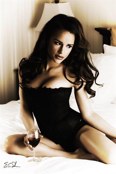 Jessica Graf in lingerie