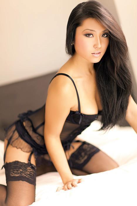 Megumi Tanioka in lingerie